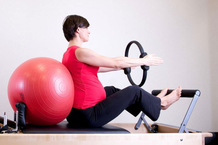 How Can Pelvic Floor Physiotherapy Help During Pregnancy? The 4 P's.